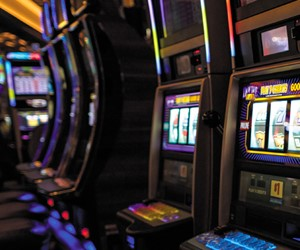 What Canadians Should Consider Before Joining and Playing at an Online Casino?